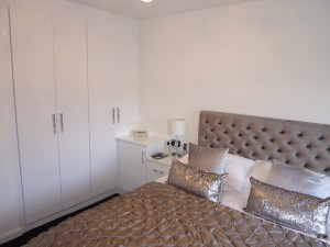 White Gloss 1 Bedroom